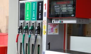 La importació de carburants baixa un 4% al setembre