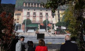 """Andorra la Vella estrena 'Transparència', el mural de Bosque que pretén ser una """"porta de benvinguda"""" a la parròquia"""
