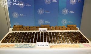La policia incauta més de 27 kg d'haixix i 38.535 euros en efectiu