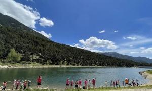 L'excursió dels nens d'Encamp al llac d'Engolasters.