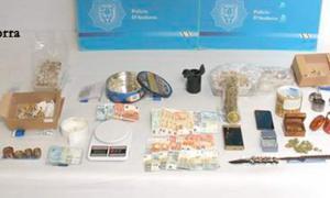 La policia desmantella a Encamp un punt de venda de droga a menors