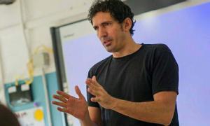 El professor César Bona abordarà els nous reptes de l'educació en una xerrada que oferirà aquest dimecres