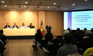 El ministre d'Afers Socials, Xavier Espot, presentant l'acte sobre mediació.
