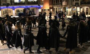 L'Esbart Dansaire d'Andorra la Vella dansa abans d''El robatori de les olles'.