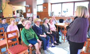 Un moment de la xerrada de la dietista Maria Josep Rosselló, a la Casa Pairal d'Ordino.