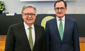 El fins ara conseller delegat de Crèdit Andorrà, Josep Peralba, i el director general de Crèdit Andorrà, Xavier Cornella.