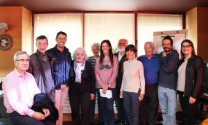 Alguns dels hortalans d'Ordino, amb els responsables del projecte del comú.