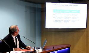 El ministre de Salut, Carles Álvarez, mostra les noves tarifes