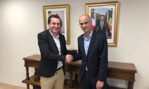 Òscar Ordeig, diputat del PSC i portaveu de Compromís x la Seu, amb el cap de Govern, Antoni Martí.