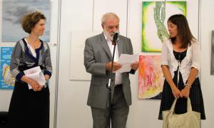 La ministra d'Afers Exteriors Maria Ubach, el president de la comissió nacional andorrana per a la UNESCO Josep Dallerès i la cònsol menor d'Ordino Gemma Riba durant la inauguració del 6è Artcamp Andorra.