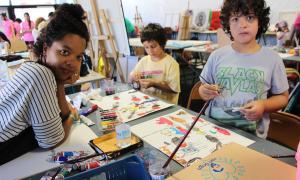 Els infants han visitat els tallers.