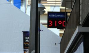 Un termòmetre al centre d'Andorra la Vella.