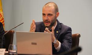 El secretari general del Govern, Jordi Casadevall, durant la seva comparexença d'aquest dimecres.