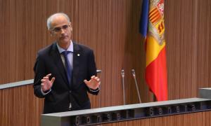 El cap de Govern, Toni Martí, durant el seu discurs de rèplica als grups de l'oposició on ha anunciat la data electoral.