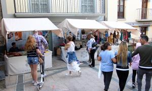 Les paradetes del Mercat de la vall distribuïdes pels carrers del Centre històric d'Andorra la Vella.