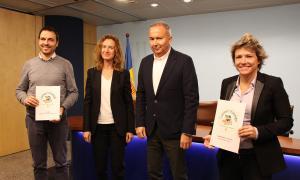 Els responsables de Bomosa, Bio Bio i Veritas, amb els distintius que han rebut, juntament amb la ministra de Medi Ambient, Agricultura i Sostenibilitat, Sílvia Calvó.