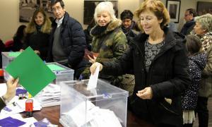 Els residents catalans exerceixen el dret a vot al consolat espanyol.