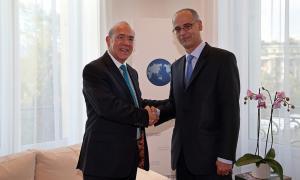 El Secretari General de l'OCDE, Angel Gurría durant una trobada amb el cap de Govern, Toni Martí.