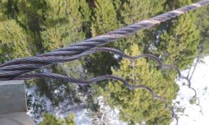 Els cables del telecadira La Serra 2 malmesos intencionadament.