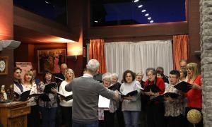 Un moment del concert de Nadal de la Coral Casamanya a la Casa Pairal d'Ordino.