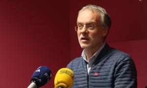 El conseller lauredià Josep Roig durant una roda de premsa a la seu de Progressites-SDP.