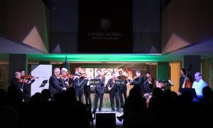 L'ONCA narra l'experiència d'un emigrant mitjançant la música