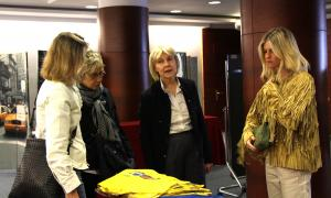 La presidenta d'Unicef Andorra, Laura Álvarez i la 'influencer' Patricia Sañes.