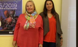 Francesca Barbero i Lídia Rebés durant la presentació d'una activitat dirigida als joves.