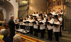 Un moment del concert de primavera de la Coral Casamanya a l'església parroquial d'Ordino.