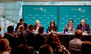 Reunió d'accionistes de Caldea, encapçalada per la cònsol major d'Escaldes i presidenta de la Semtee, Trini Marín.