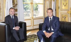 Espot i Macron al Palau de l'Elisi, el juny passat.