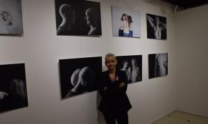 """L'autora de la exposició de fotos, Carmen """"Txiqui"""" Novis."""