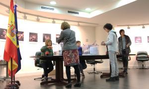 Els residents espanyols comencen a votar al consolat espanyol a partir d'aquest dimecres.