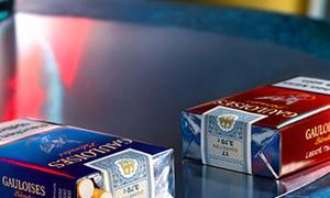 Dos paquets de tabac.