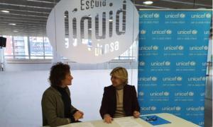 Un moment de la signatura de l'acord entre Líquid Dansa i Unicef.