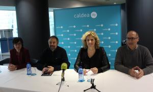 La directora d'Unicef Andorra, Marta Albech; el director de comunicació del MoraBanc Andorra, Gabriel Fernández; la directora del Club Caldea, Laurance Favrel, i el cap d'area d'esdeveniments i programació esportiva del comú d'Andorra la Vella, Josep Tudó.