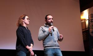 El conseller de Turisme, Dinamització i Esports d'Ordino, Jordi Serracanta, i Marta Palau, de Viladomat, moments abans de la projecció de la pel·lícula.