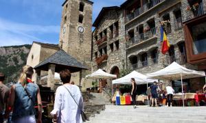 El mercat artesanal a Ordino.