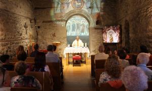 La celebració d'una missa.