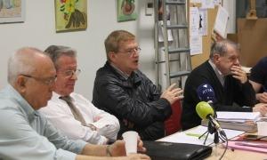 La junta de la Federació de la Gent Gran, encapçalada per Fèlix Zapatero, durant una roda de premsa.