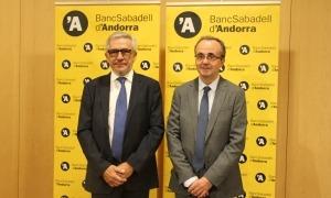 Miquel Albern, president del BancSabadell d'Andorra, juntament amb Josep Segura, director general de l'entitat.