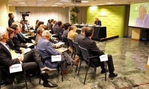 Víctor Pou, durant una conferència a Crèdit Andorrà.