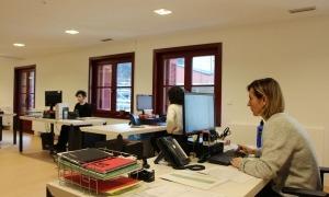 Personal treballant al ministeri de Cultura, ubicat a l'antic hotel Rosaleda.