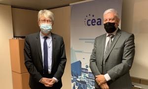 L'ambaixador de França a Andorra, Jean-Claude Tribolet, i el president de la CEA, Gerard Cadena.