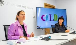 La cònsol major d'Escaldes-Engordany, Rosa Gili, i la responsable de projectes estratègics del Comú, Montserrat Martell, durant la presentació del projecte.