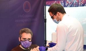 El ministre de Finances, Eric Jover, rebent la vacuna aquesta tarda.