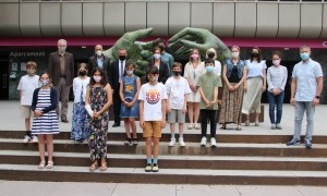 L'equip comunal amb els alumnes del Consell d'Infants.