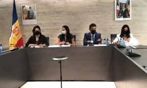 Eva Sansa, Olga Molné, Josep Àngel Mortés i Eva Choy en la roda de premsa d'aquest migdia.