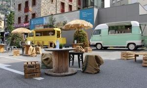 Algunes de les 'food-trucks' que es van instal·lar a Escaldes-Engordany en el marc del programa Sabors d'Estiu.