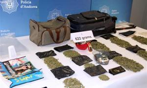 Detingut un resident en possessió de 622 grams de marihuana